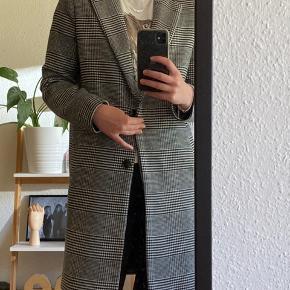 Sælger denne fine frakke fra Neo Noir i en xs/s