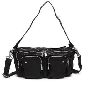 Lækker taske fra mærket nunoo. Den er ikke mere end 3 måneder gammel, og er ikke blevet brugt mere end et par gange. Super god stand. Ny pris - 1.100kr Min pris - 800kr