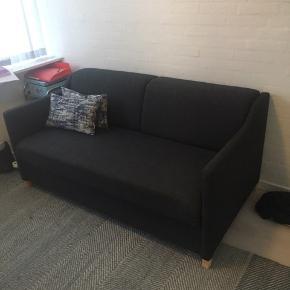 Super fin sofa som kan slås ud..