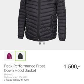 Super fed skijakke kun brugt få gange - desværre for lille Nypris 1500 kr  Str 150