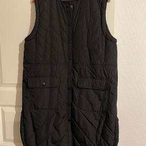 Moves by Minimum vest