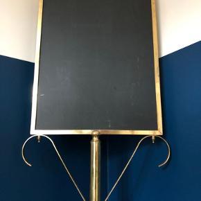 Sælger denne retro tavle, som tidligere har fungeret som menu-skilt på en restaurant. Skiltet er 156 cm højt.