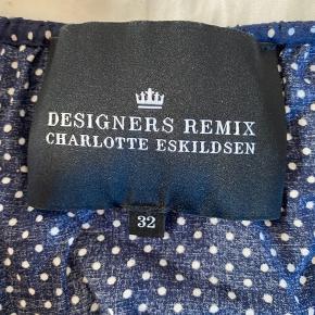 Fin bluse fra Designers Remix - stor i størrelsen ⭐️