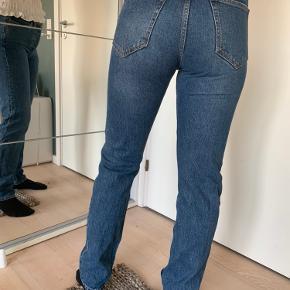 Lækre jeans, desværre lidt for små. I god stand