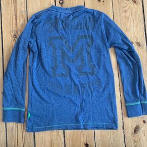 Fed lækker og blød langærmet t-shirt fra Molo 😎☀️  Fejler intet!