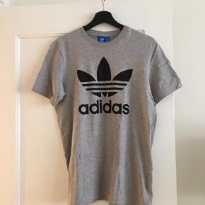 Lækker t-shirt i god kvalitet. Brugt én gang og i stand som ny.
