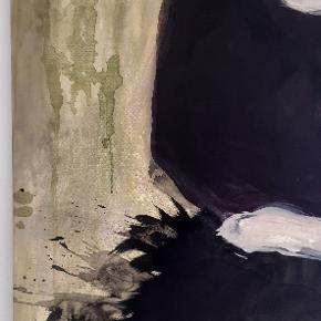 """Netop færdig gjort værk """"slitage"""" af voksen kvinde i fjernederdel. Måler 100x120 cm."""