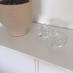 Holmegaard Lotus fyrfadsstager i 6,5 cm.  Fejler intet. Sælges samlet til 60 kr.