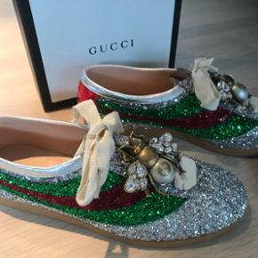 NUUU 3000!!!! Super fed Gucci sneakers. Aldrig brugt, alt medfølger. Nypris 7000