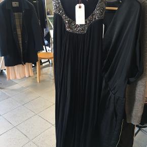 Rich & Royal kjole