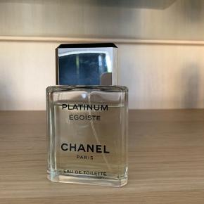 Chanel egoiste platinum 100ml   Stort set ikke brugt og sælges kun da jeg har fundet en anden Chanel som er mere mig   Nypris 750kr   Nu kun 400kr