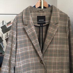 ternet oversize blazer fra monki :)