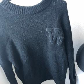 Sort sweater fra Wood Wood