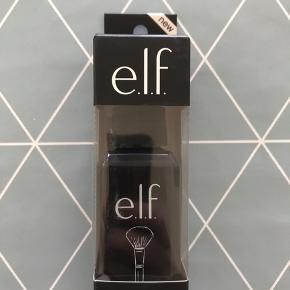 Sælger denne Brush cleaner fra elf (60ml), da jeg ikke kan tåle parfume. Jeg havde overset, at der er parfume i, så jeg har kun brugt den en gang. Men for dem der kan tåle parfume, så dufter den lækkert.