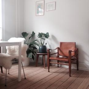 Sælger denne smukke og velholdte Aage Brun og Søn safaristol pga pladsmangel. Sælges kun hvis mp 3600 opnås.