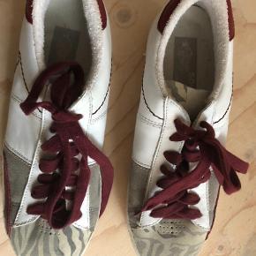 Brand: SojaFish Varetype: Sneakers Farve: Multi  Brugt to gange.
