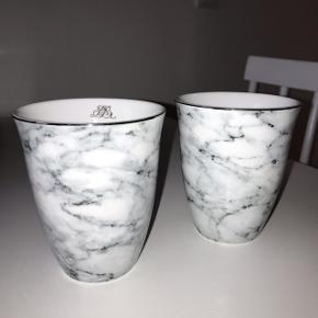 Virkelig fine krus fra Lene Bjerre med marmor print. De har aldrig været i brug. Sender gerne ✨