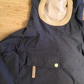 Mørkeblå miniature overgangsjakke. Str. 8å/128.