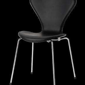 Mørkegrøn læder stol super flot 7er stol fra arne jacobsen. Købt på loppemarked.