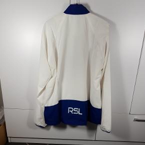 Helt ny Windbreaker fra mærket RSL i str. M. Har flere i denne str. Ny butiks pris er 250kr. Så sælges meget billigt. Skriv endelig ved spørgsmål 😀