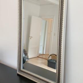 Flot rustikt spejl sælges 🌟🌟   Måler ca 60*90 cm
