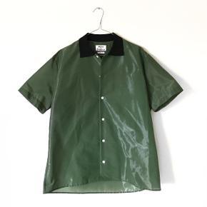 Super fed skjorte   AF MÆRKET: ACNE STUDIOS NY PRIS: 2500 kr  -SENDER MED DAO-