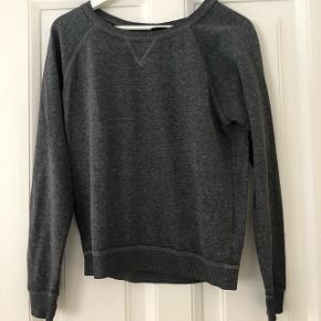 Basic grå trøje fra H&M