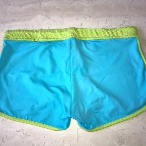 Shorts fra Better Bodies i str medium sælges. Brugt en enkelt gang eller to..   Har al al alt for meget træningstøj, så sælger lidt ud 😊