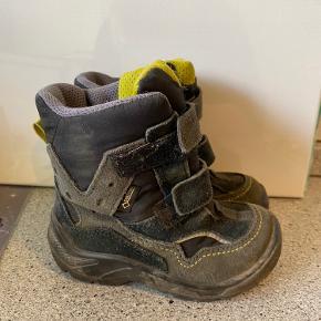 Super fine Ecco vinter støvler i str 24..  De er ikke brugt ret meget  Ingen slid