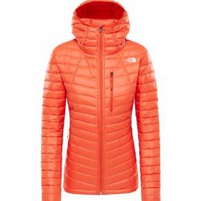 Farven hedder Valencia Orange.