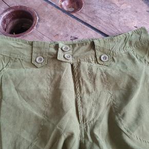 Fede baggy army bukser, aldrig brugt. Indvendig benlængde 79 cm Livvidde 81 cm Skridtlængde 28 cm