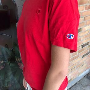 Champion t-shirt i S🌸 Brugt meget få gange!!