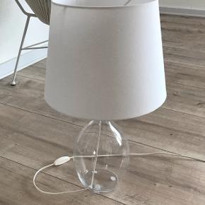 Bord glas lampe fra ikea udgået model med hvid skærm
