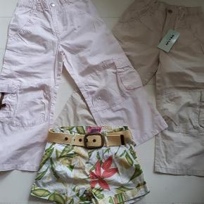 Varetype: Tøjpakke Størrelse: 6-7 Farve: Multi Oprindelig købspris: 850 kr.  2 par lange bukser og et par shorts med bælte. Bukserne hedder 8, men er en smule små i det. Alt ubrugt. Sælges samlet. Nypris 850,-