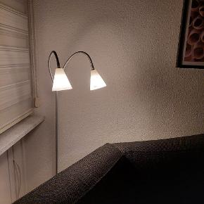 Herstal gulvlampe