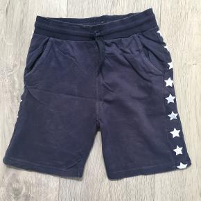 Mørkeblå shorts med stjerne print