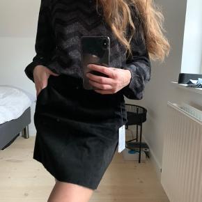 Helt ny ruskinds nederdel