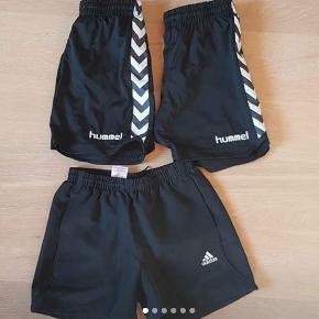 Hummel shorts 2 par str 140 -152 (Næsten som nye)  Addidas shorts str 140 ( aldrig brugt)