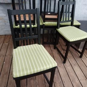7 stk ikea stole incl grøn stribet puder. Brugt.
