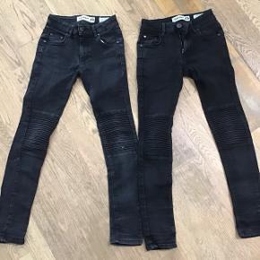 2 stk slim fit jeans model BOWIE 125,- pr stk eller begge for 200,-