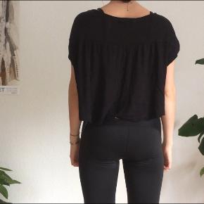 Loose sitting T-shirt