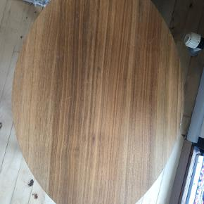 Lille blad bord