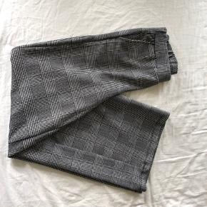 Wide-leg bukser i tern fra Gina Tricot 🤩