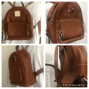 Splinterny taske Aldrig brugt Sælges da den ikke bliver taget i brug Der er stadigvæk prismærke på