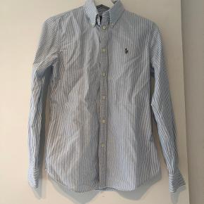 Flot klassisk Ralph Lauren skjorte  Aldrig brugt