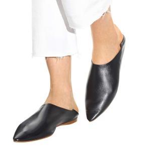 ACNE Studios - Amina slippers i sort skind sælges. Brugt omkring 4 gange. Rigtig flot stand. Har desværre ikke æsken.  Normale i størrelsen.
