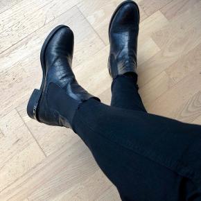 Flotte klassiske støvler.  Kun brugt lidt i denne vintersæson
