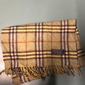 Burberry tørklæde