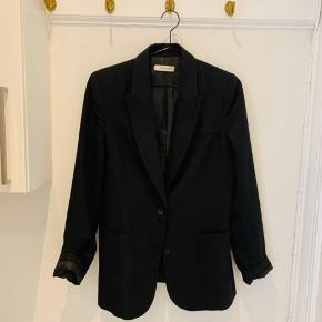 Fineste blazer - uld    Nypris omkring 2500 Smid realistisk bud