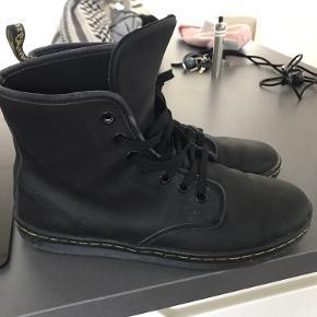 Fine Dr.Martens støvler sælges; jeg får dem ikke brugt...